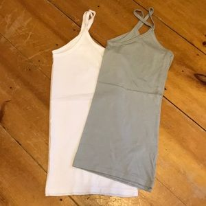 Bundle of two faded glory tanks sz xl